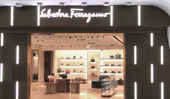 SALVATORE FERRAGAMO: uno store nel nuovo aeroporto di Pechino.