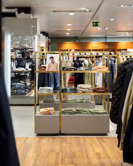 flagship store Brooksfield di Madrid
