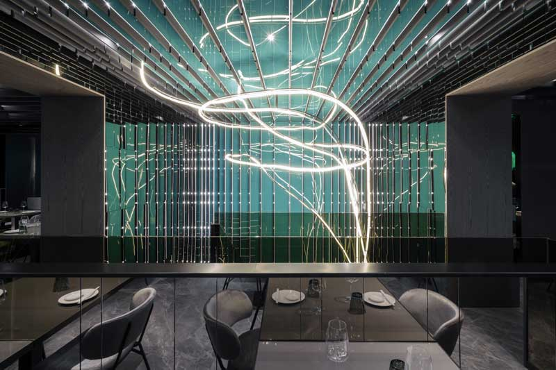 Maurizio Lai defines new spaces for the Moya Restaurant