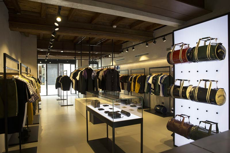 Boutique monomarca FRED PERRY Milano