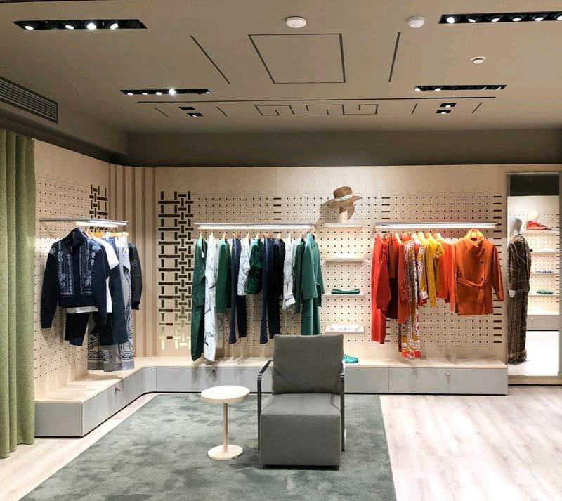 Hermès temporary store via della Spiga Milano