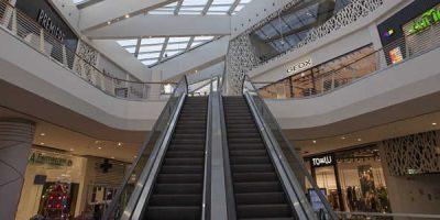 3C+t Capolei Cavalli  e Design International celebrano l'apertura di  Maximo Shopping Centre Roma .