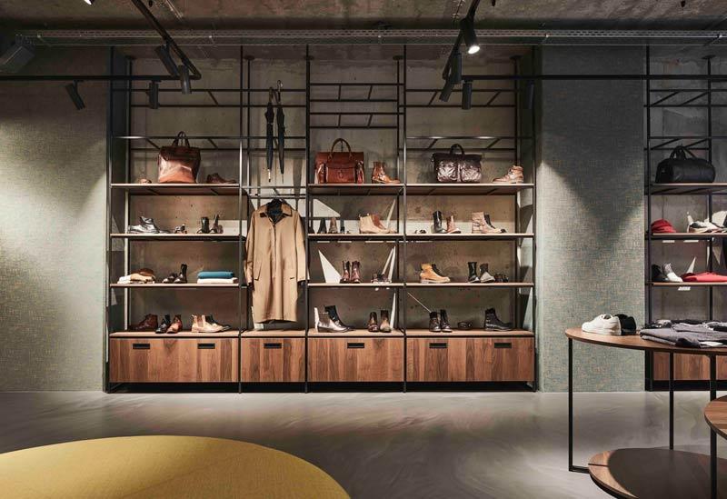 DANIELE DENTICI Fashion Store - Studio Jeroen Van Zwetselaar has designed an exciting contrast between raw and refined
