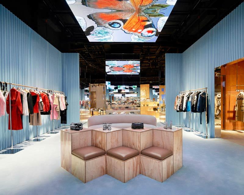Burberry luxury social store Shenzhen