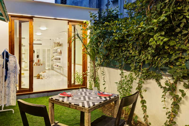 Aarushi Bafna signs the retail extension of the Jaipur Modern Store