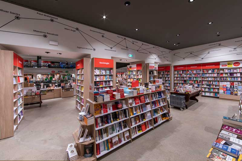 Imoon e il suo brand Makris illuminano il nuovo look della Libreria Feltrinelli di Piazza Piemonte a Milano