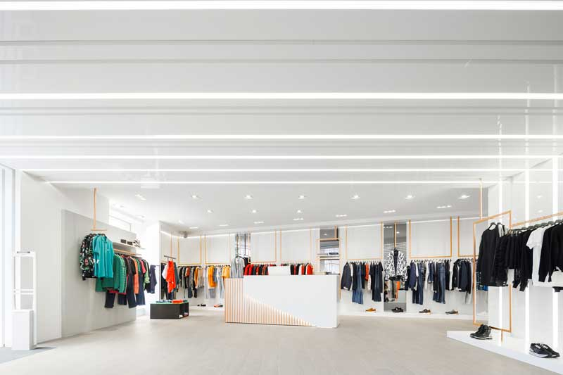 Doisarquitectos designed the Mg Sport clothing store in Aveiro