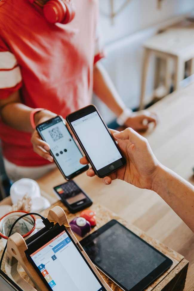 """I consumatori italiani insoddisfatti delle loro esperienze, nonostante il grande """"digital switch"""" del 2020"""