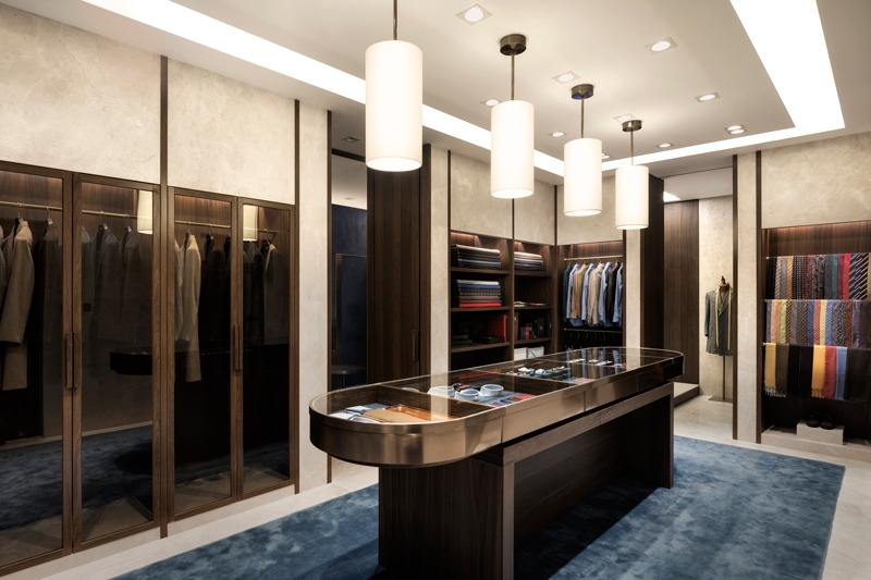 I IN designed the Flagship store for Genttio