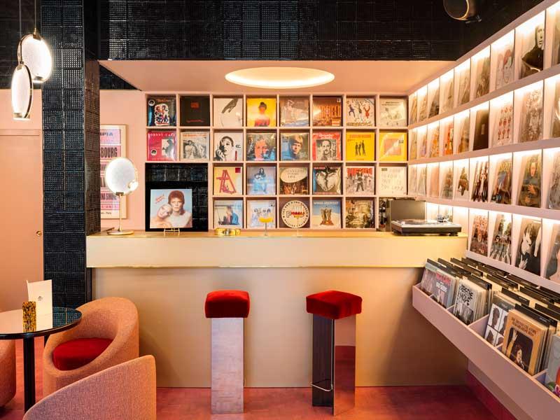 La luce di Horo per il mood disco club del nuovo Rupture Store e Cafè a Parigi progettato da Pierre Gonalons.