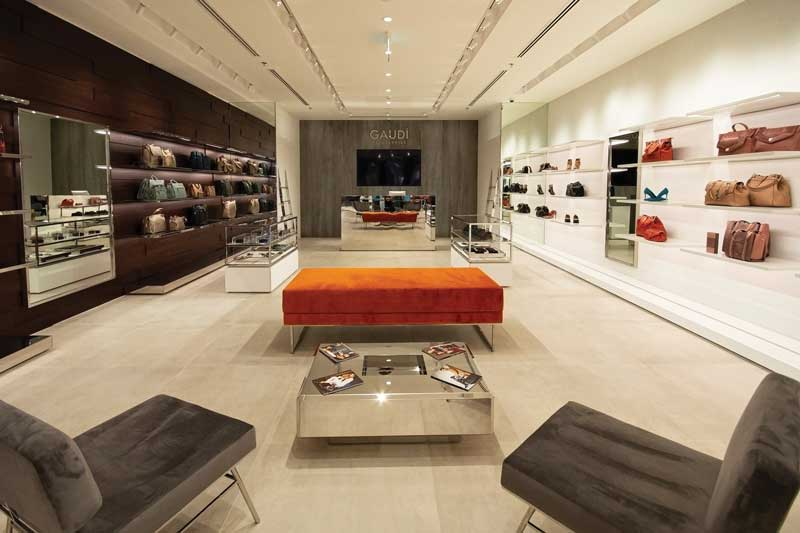The new Gaudì concept store by MRZ architects