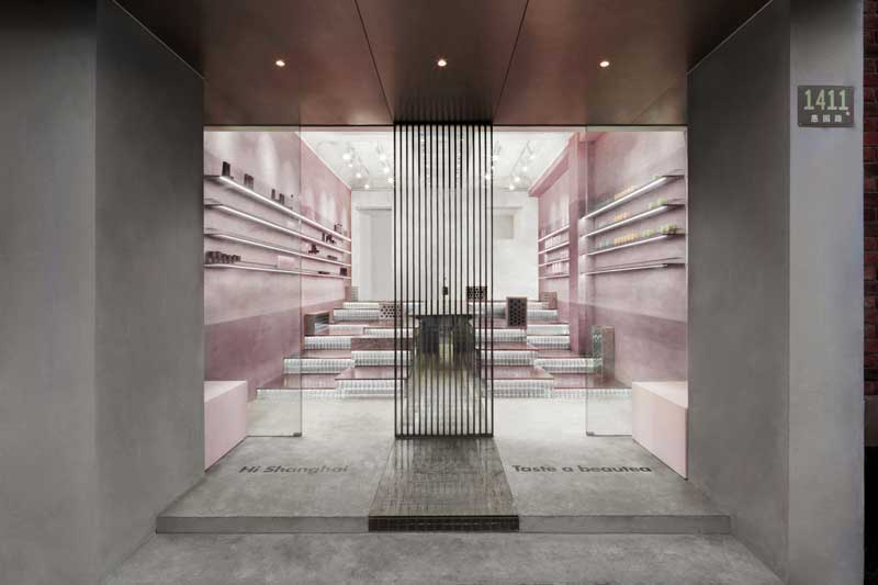Nax Architects was entrusted to conceive a store Cosmetea brand in Shanghai