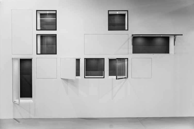 VTHECA è un sistema di aperture raso muro per pareti in cartongesso