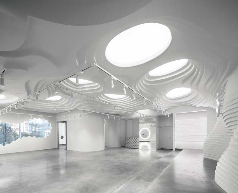 WHITE CAVE  - GALLERIA BIANCA - Pechino