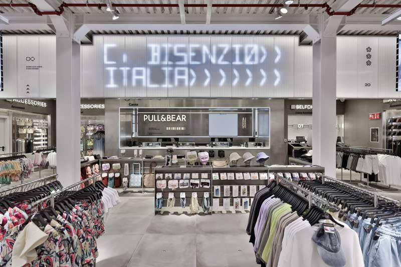 Pull&Bear rinnova la propria immagine in Italia con il flagship store inaugurato al centro commerciale I Gigli di Campi Bisenzio